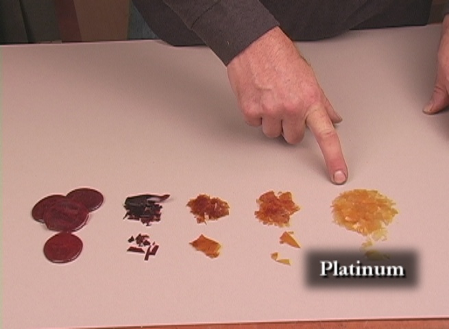 Shellac Closeup of flakes in different grades