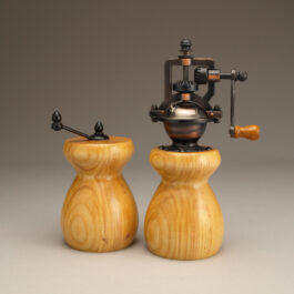 Antique Style Pepper Mill and Salt Mill Set in Ash